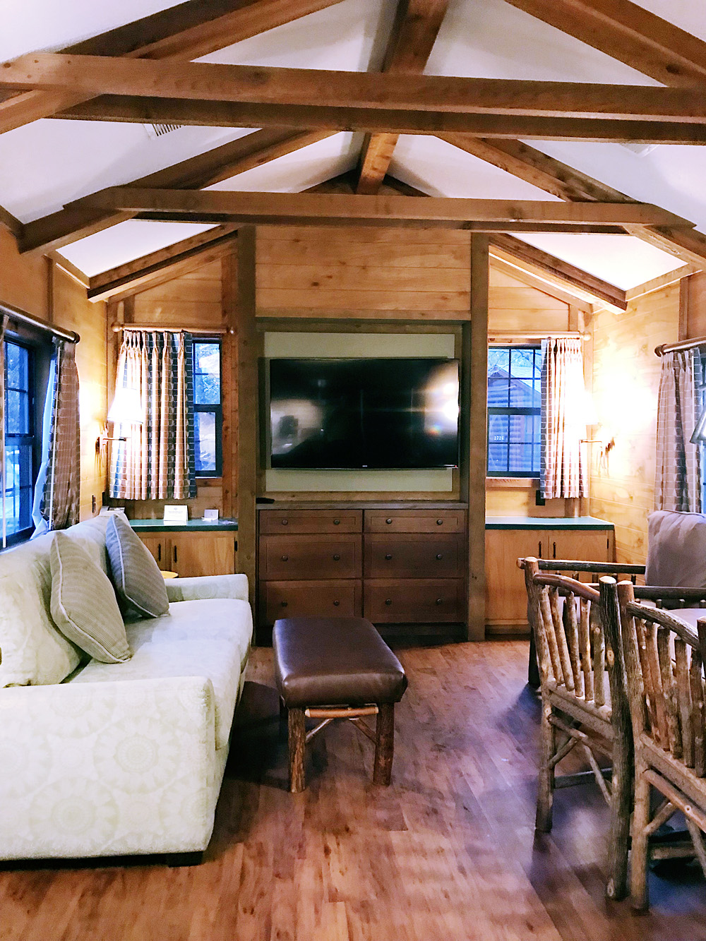 Fort Wilderness cabin living room