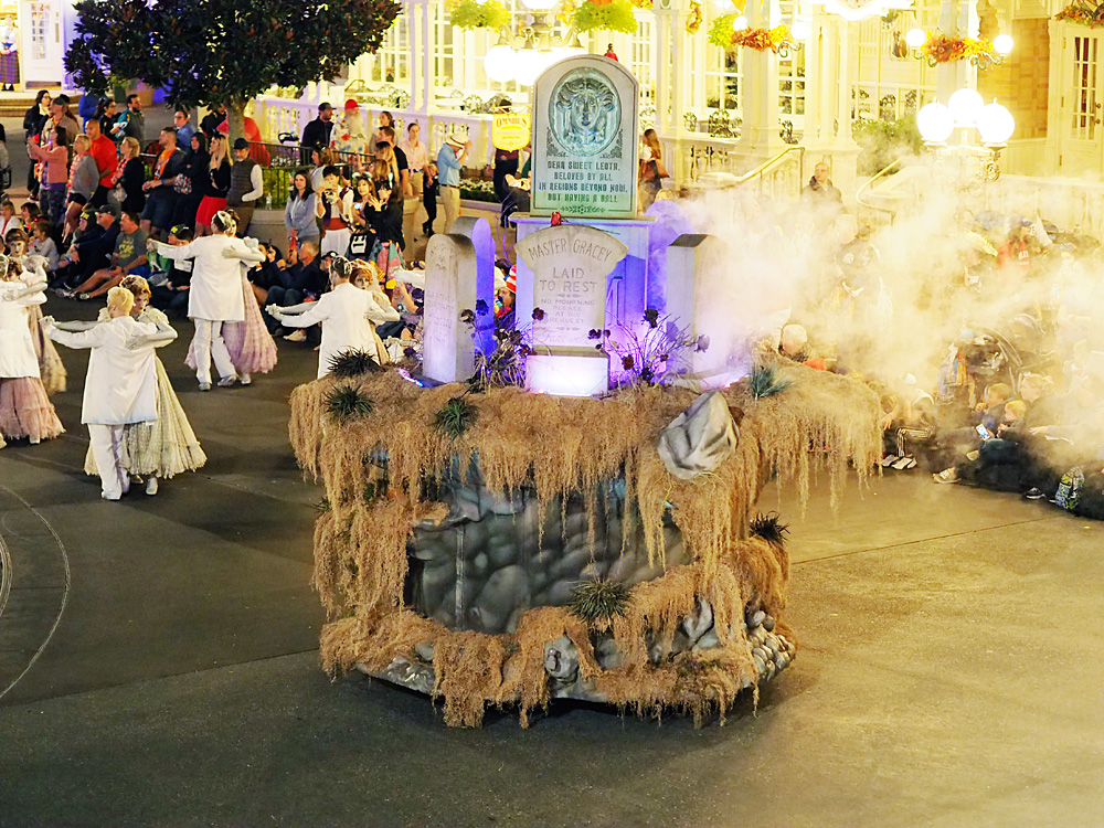 Haunted Mansion float