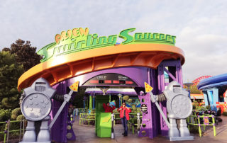 Alien Swirling Saucers FastPass
