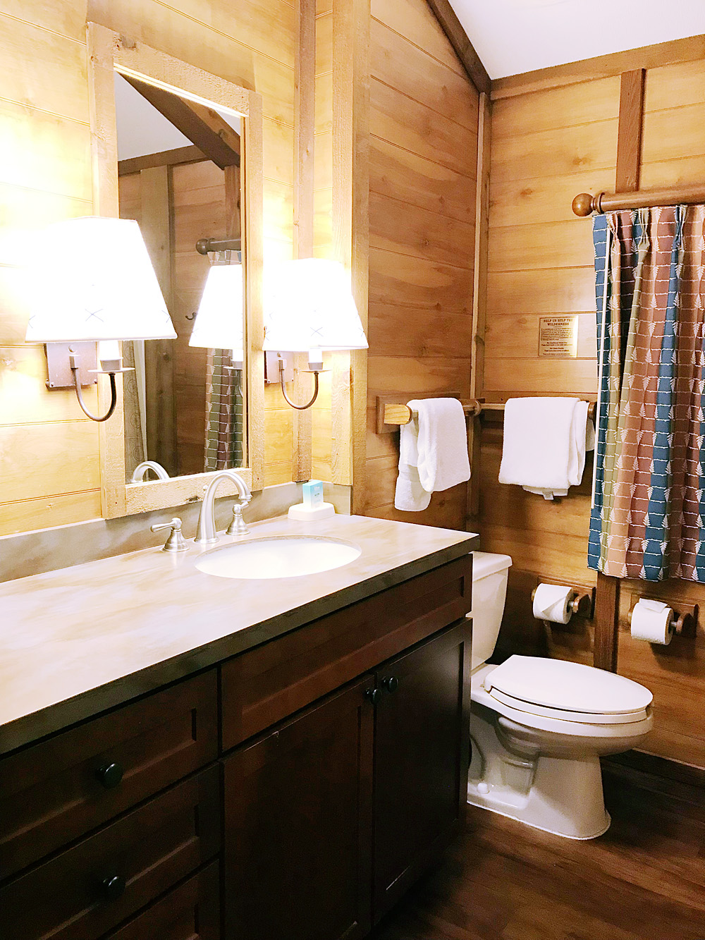 Fort Wilderness cabin bathroom