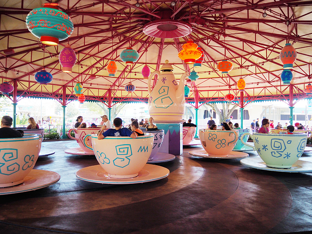 Alice in Wonderland - The Mad Tea Party