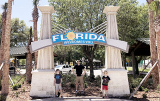 Florida welcome center on the drive to Disney World